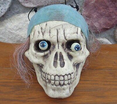 Animated Shaking Eyes Bulging Wiggling Hanging Pirate Skull  Head Halloween prop