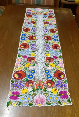 Handmade Richelieu Table Runner with Hungarian Kalocsa Flower Motifs