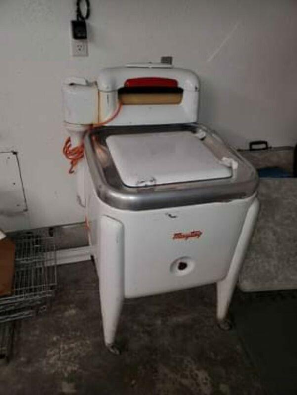 Vintage Antique Maytag wringer washer washing machine 1940's 50's ?