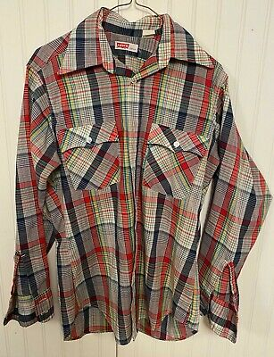 1970s Mens Shirt Styles – Vintage 70s Shirts for Guys Vintage 1970's Western Style Levi's Pearl Button Down Size Medium $35.00 AT vintagedancer.com