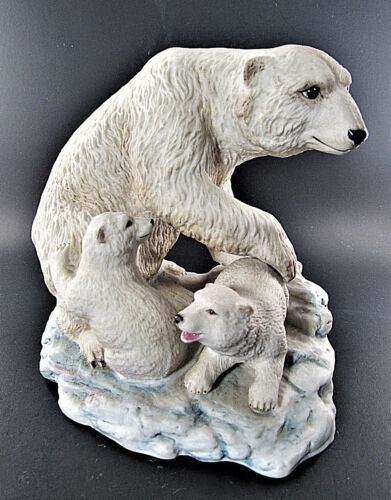Vintage 1975 Aynsley Polar Bear & Cubs Porcelain Figurine Made in England