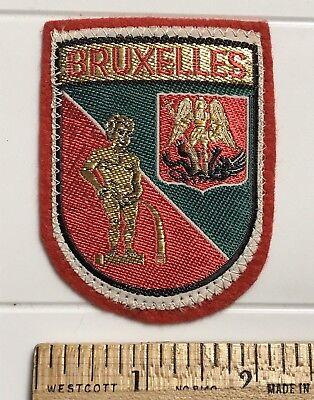 BRUXELLES Urinating Cherub Crest Brussels Belgium Souvenir Red Felt Patch