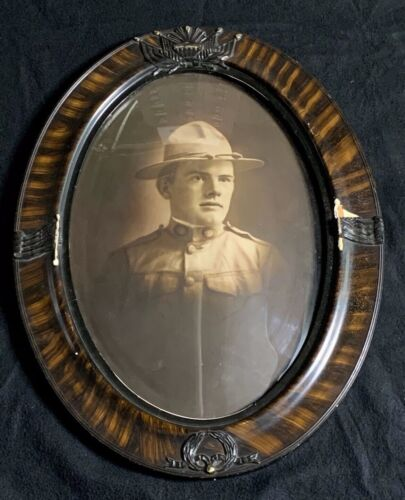 WWI US Army Soldiers Oval Convex Framed Portrait