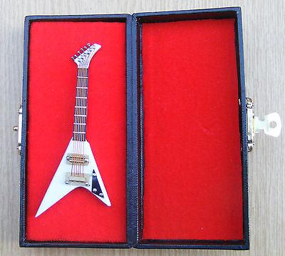 1:12th Scale White Guitar & Black Case Dolls House Miniature Instrument 550