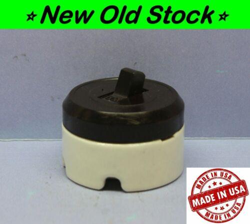Vintage Round Toggle Light Switch, Single-Pole ON/OFF Bakelite/Porcelain, Bryant