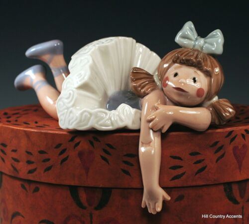 "LLADRO - ""FORGOTTEN"" #1502 - PART OF LEDGE HANGERS - GIRL DOLL RECLINING - MINT"