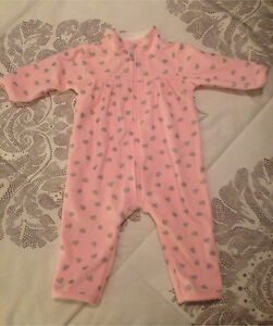 Brand new Carters baby fleece suit- size 3 months
