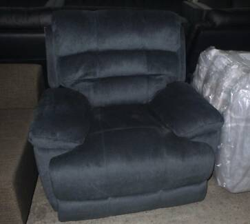 3 STR END RECLINERS & 2 SINGLE RECLINERS IN STEEL FABRIC ELECTRIC
