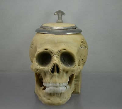 Krug  - Bierkrug - Kopf -Totenkopf -Sammlerkrug