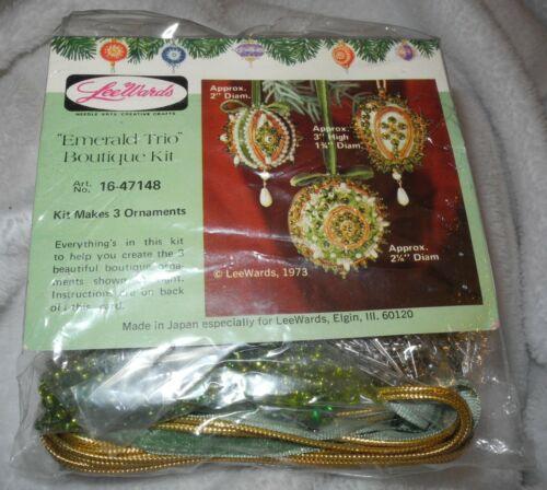 VINTAGE Lee Wards Emerald Trio Boutique Kit Craft Christmas Ornaments Sequins