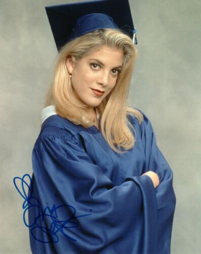 Tori Spelling 90210 Sexy Autographed Signed 8x10 Photo COA AB35