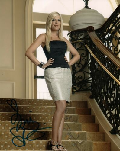 Tori Spelling 90210 Sexy Autographed Signed 8x10 Photo COA AB34