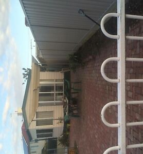 Granny flat with private entrance Tullamarine Hume Area Preview