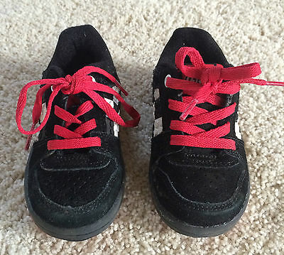 1 pair of gently used LEGO boys size 5 toddler shoes (Lego Boys Shoes)
