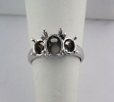 THREE STONE RING SETTING CENTER 7.5x5.5MM OVAL AND SIDE 5MM ROUNDS STONE Ring Settings Side Stone