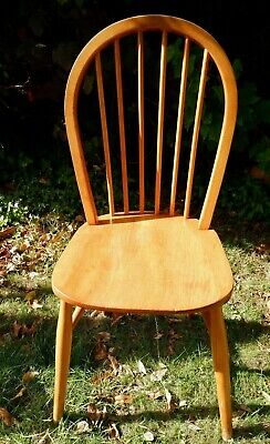 Great Mid-Century Modern Vintage Windsor kitchen Chair