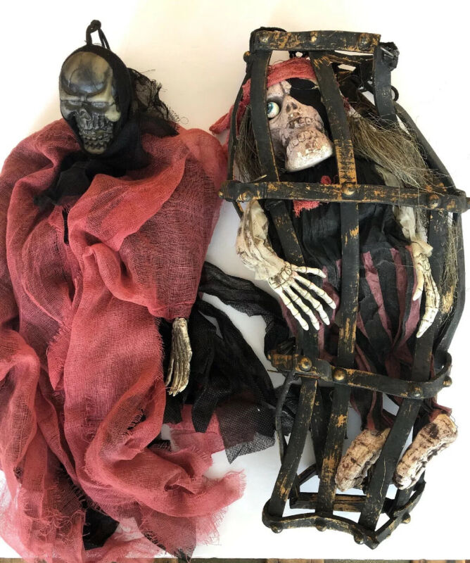 2 HANGING SKELETON SCARY CREEPY PROPS  HALLOWEEN DECORATIONS PIRATE SKELETON