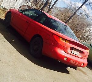 NEED GONE ASAP!! Selling 2001  saturn Sc2 , 3 door!