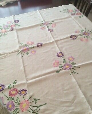 Hand embroidered - daisy Linen Tablecloth  (D5)