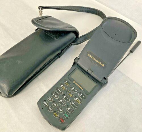 VTG Motorola StarTac SWF3397M Flip Cell Phone Bell Atlantic w Case Not Working