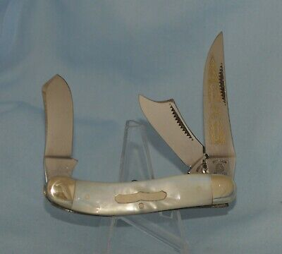 """FIGHT'N ROOSTER MOTHER OF PEARL SOWBELLY KNIFE """"CAPTAIN'S ROOSTER"""" NEAR MINT!!"""