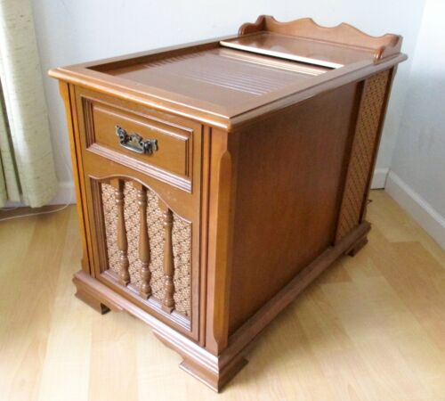 Vtg Magnavox Micromatic Maple AM/FM Stereo Console Record Player Early American