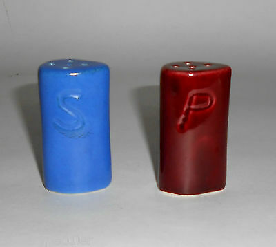 Camark Pottery Red/Blue Ship Smokestack Salt & Pepper Shaker Set! MINT
