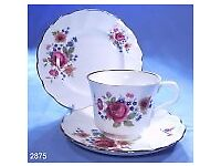 Beautiful 8 piece bone china Royal Victoria set. Comprises tea cup, saucer and side plate. Exc cond