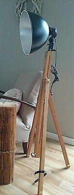 Schwarz Silber Loft Vintage STUDIO Steh Industrie Stativ Leuchte Dreibein Holz