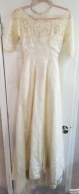 Vintage Ivory Lace Beaded Wedding Dress Gown and Tiara Veil Size Small/X Small