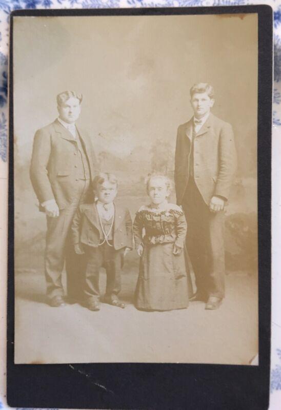 ANTIQUE original Family PHOTOGRAPH vintage Cabinet Card  Little People Dwarf