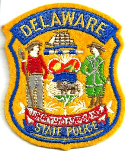 DELAWARE STATE POLICE - SMALL SHOULDER PATCH - IRON OR SEW-ON PATCH