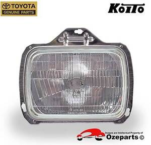 GENUINE Toyota Townace SBV Van 97~03 1 x Head Light with Retainer Dandenong Greater Dandenong Preview