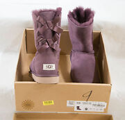 Womens Bailey Bow Uggs Size 9