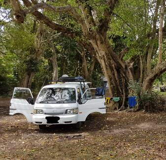 Campervan Mazda E2000 - Ready to go!