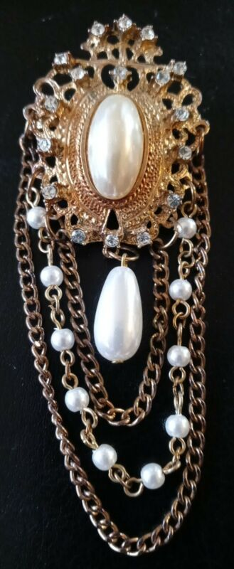 Vtg,Victorian Revival,Pearl,Crystals,& Chains,Gold Tone Brooch Pendant dangle