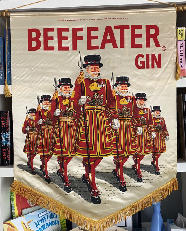 """BEEFEATER GIN Tapestry Flag With Gold Fringe 32""""X36"""" Vintage Bar Collectable"""