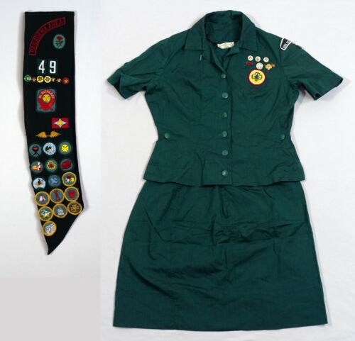 Vintage 1965 Girl Scout Pasadena Area, California Uniform with Sash Patches Pins
