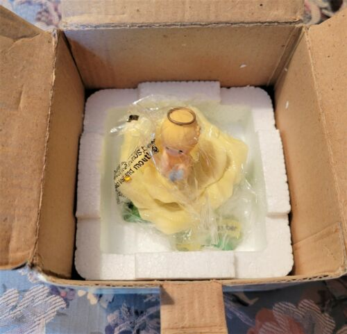 "Precious Moments 2001 Avon Enesco Monthly Blossoms Figurine November 3"" MINT!"