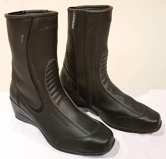DRIRIDER Jasmine Ladies Motorcycle Boots Size 7 - BRAND NEW!