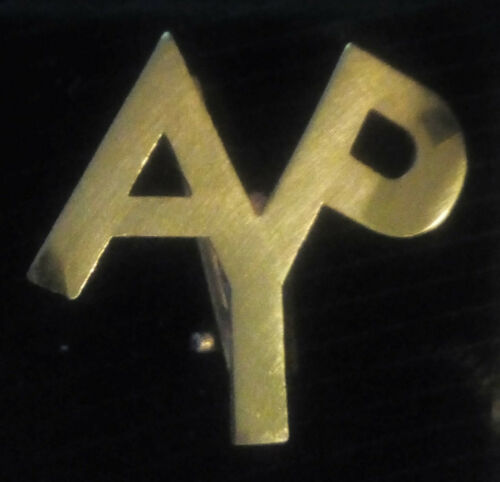 *** SEATTLE 1909 AYP *** ALASKA-YUKON-PACIFIC-EXPOSITION *** Gold AYP Lapel Pin