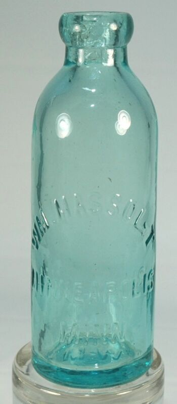 WM MASSOLT MINNEAPOLIS MN HUTCH BLOB TOP SODA BOTTLE