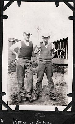 VINTAGE PHOTOGRAPH 1920'S MEN'S HAT FASHION FOSSMILL FASSETT CANADA OLD PHOTO (1920s Men Fashion)
