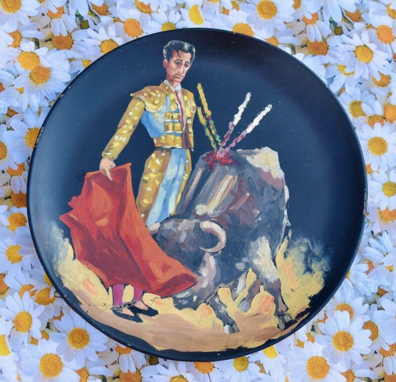 🌹 FUN! Matador Bull Fighter Wooden Plate Vintage Souvenir Spain Painting