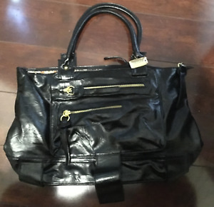 BRAND NEW Buffalo David Bitton Hand Bag