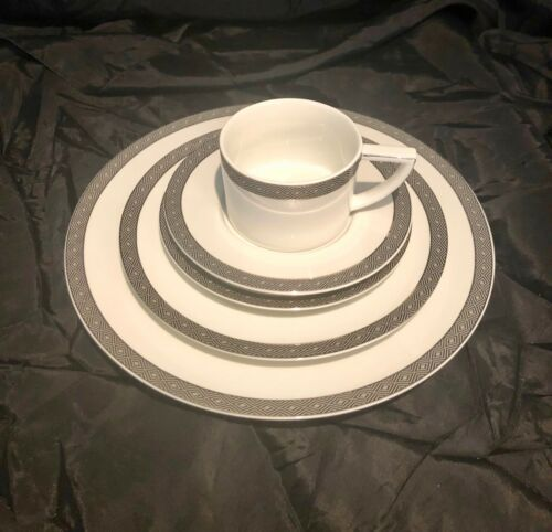 LOT OF 6 RALPH LAUREN  MACCLESFIELD 5 PIECE PLACE SETTINGS  30 PCS