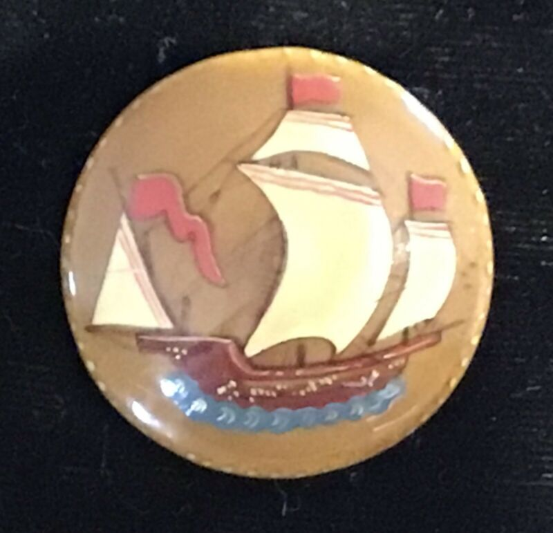 VINTAGE PICTORIAL LACQUERWARE WOOD BUTTON WITH SAILING SHIP