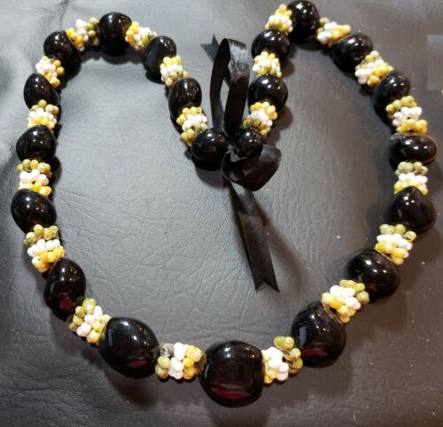 Kukui Nut Lei - Simple Design with 3 colors of Mongo Shells Between Nuts K04