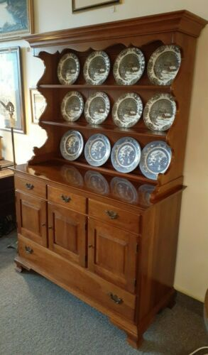 Thomasville Welsh Valley Solid Cherry Hutch Cupboard Excellent