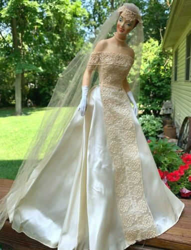RARE Vintage Countertop Store Display Bride Mannequin Wedding Dress Advertising